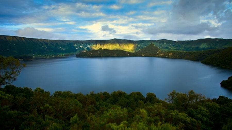 wenchi crater lake