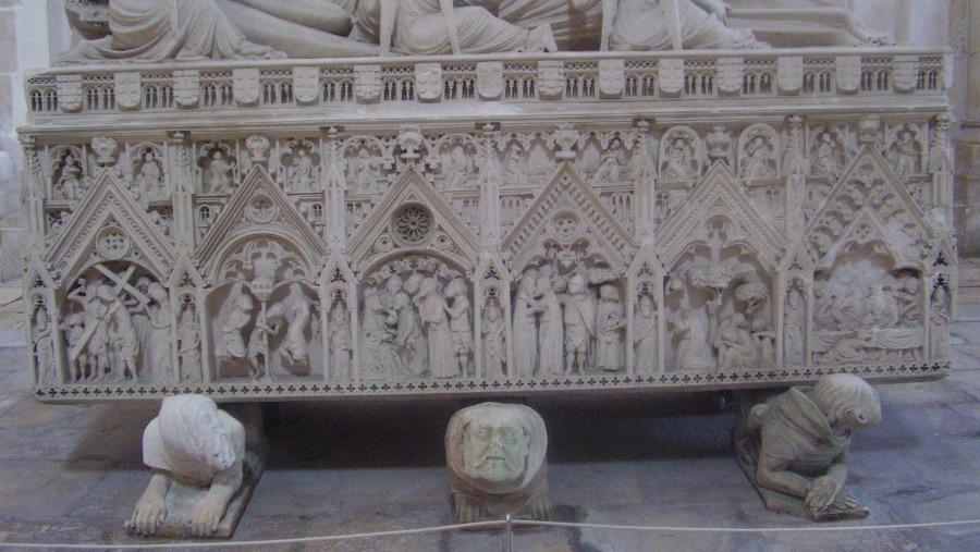 Tomb of D.Inês de Castro in  Mosteiro de Alcobaça's church