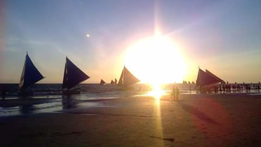 sunset time in boracay