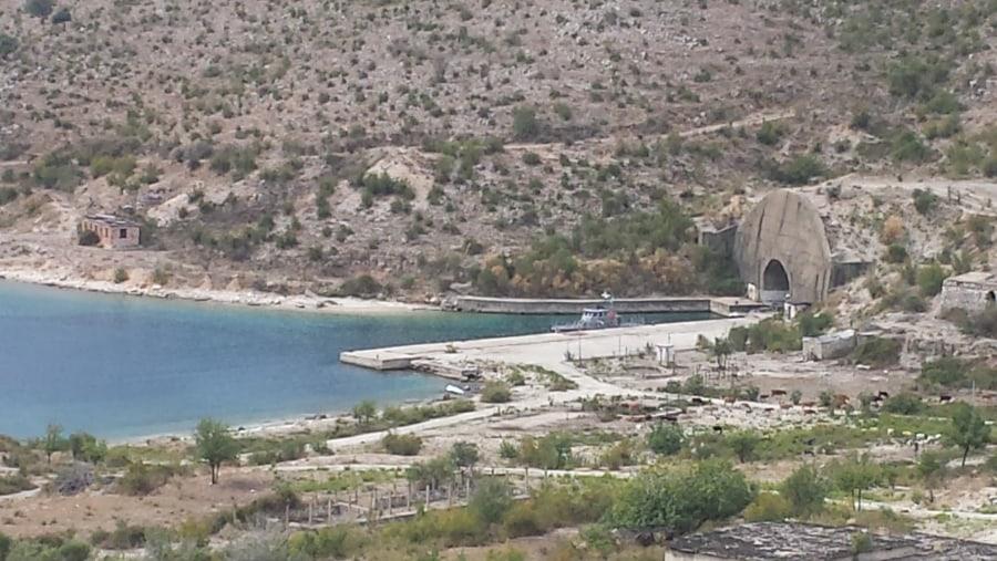 Dictaturs secret submarine based himare