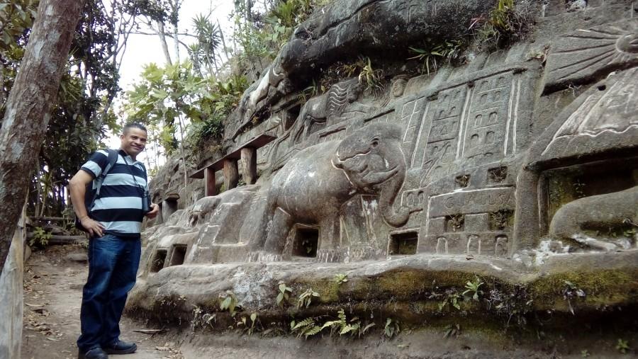 Rocks carving at Jalacate Village.