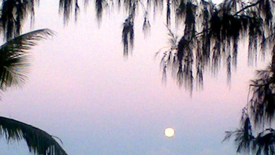 boracay moonrise