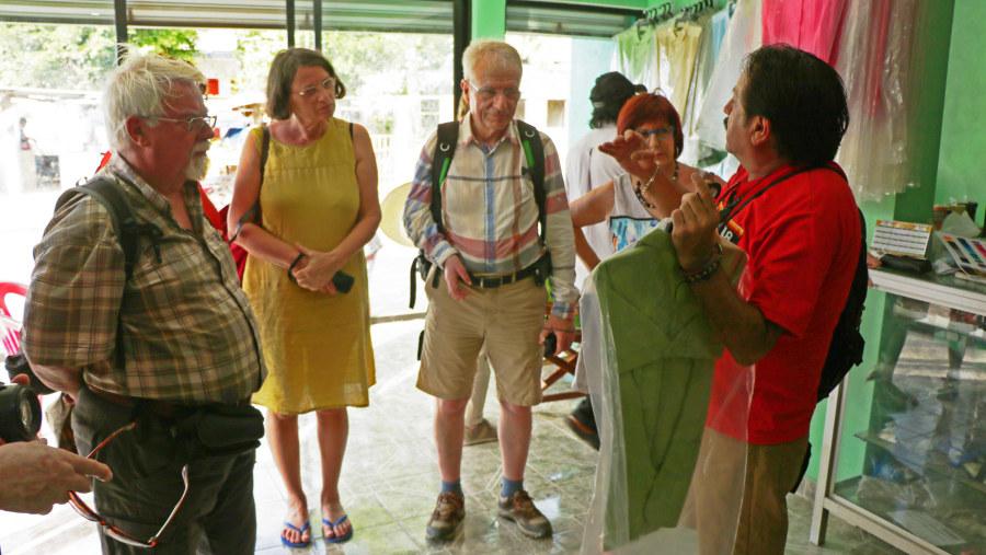 Community-based tour in Tekit