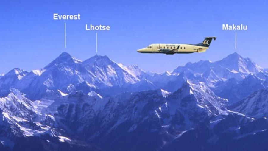 Everest Himalaya flight