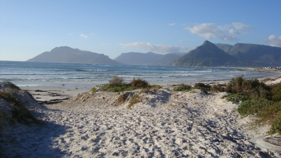 Hout Bay from Kommetjie