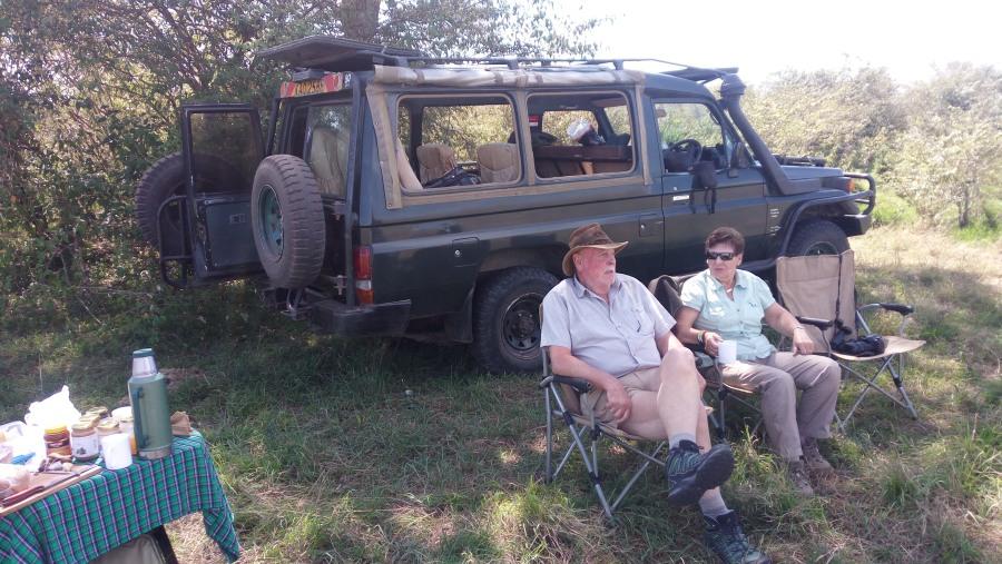 game drive in maasai mara picnic breakfast