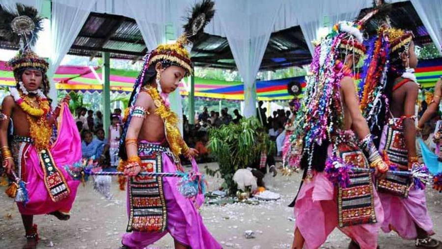 Monipuri religious dance