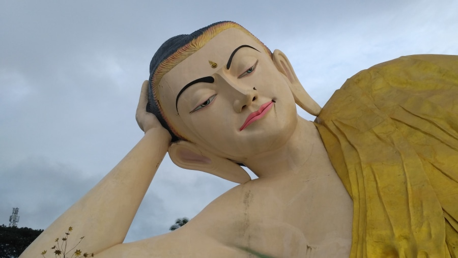 Mya Thar Hlyaung Buddha Image