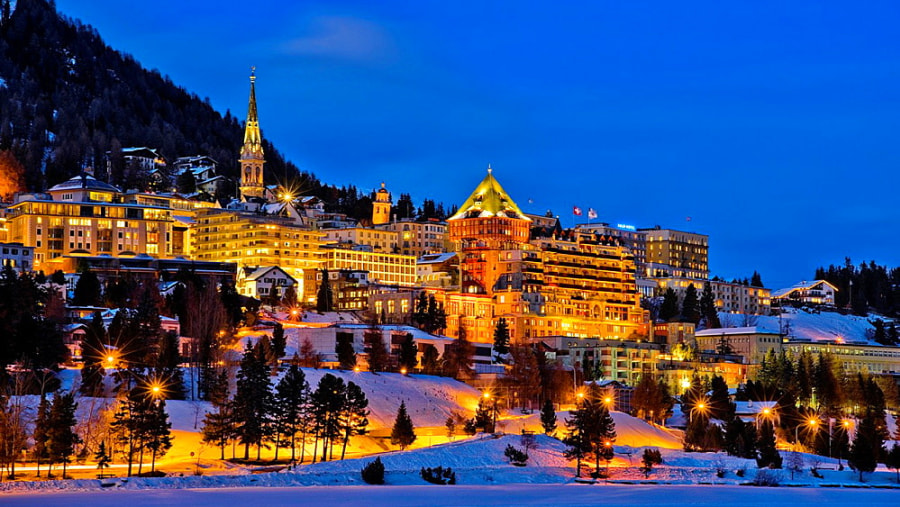 Saint Moritz at night