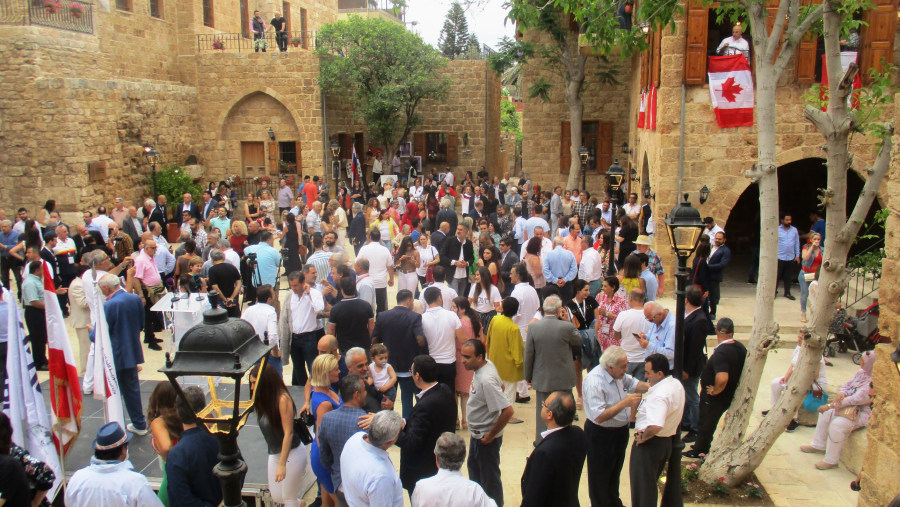 Gathering of the Lebanese Diaspora in the old town of Batroun (2019-06)