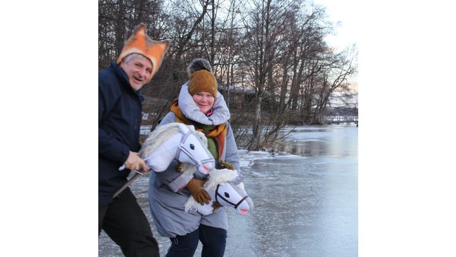 Riding a Hobby-horse on ice