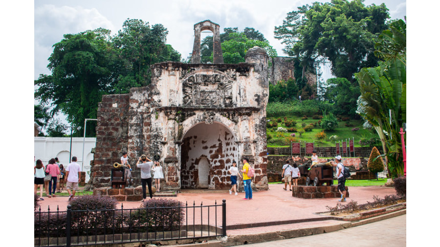Porta de Santiago / A Famosa