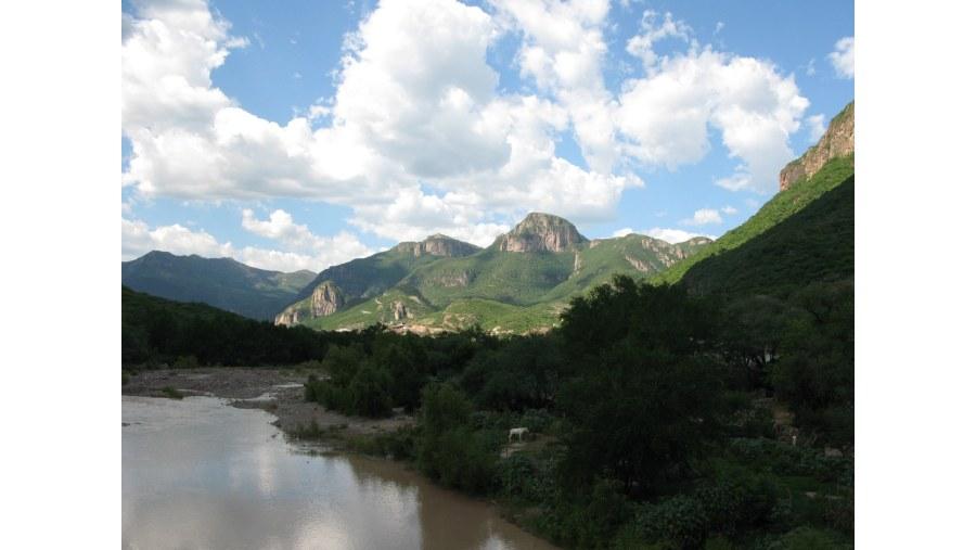 Bolaños, Jalisco, Conjunción Sierra Madre Occidental, con el eje neovolcánico