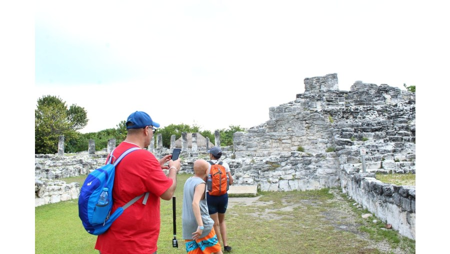 El Rey , Mayan ruins
