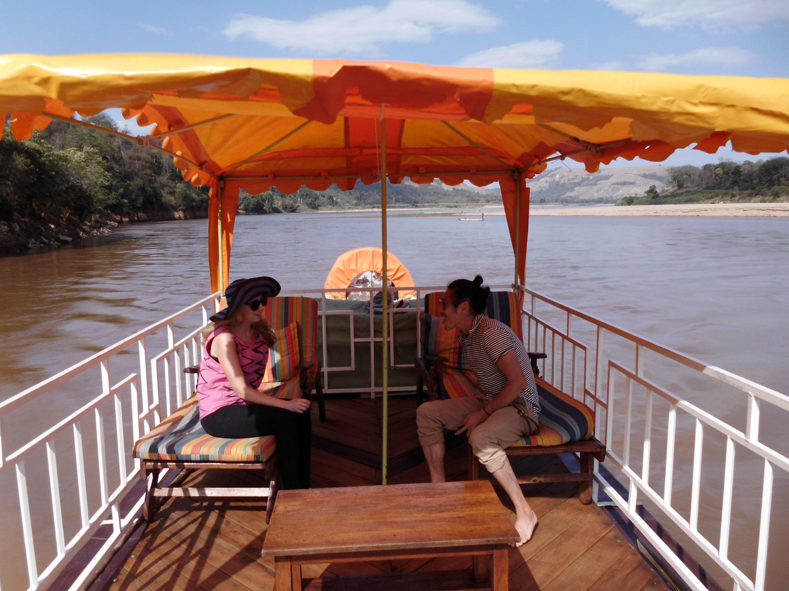 Boat ride in Tsiribihina River