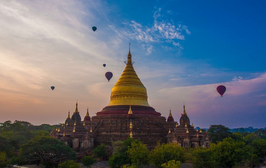 Fly over the pagodas of Bagan