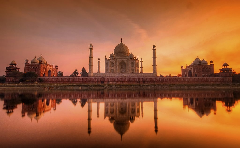 Taj Mahal - Beauty Beyond Words