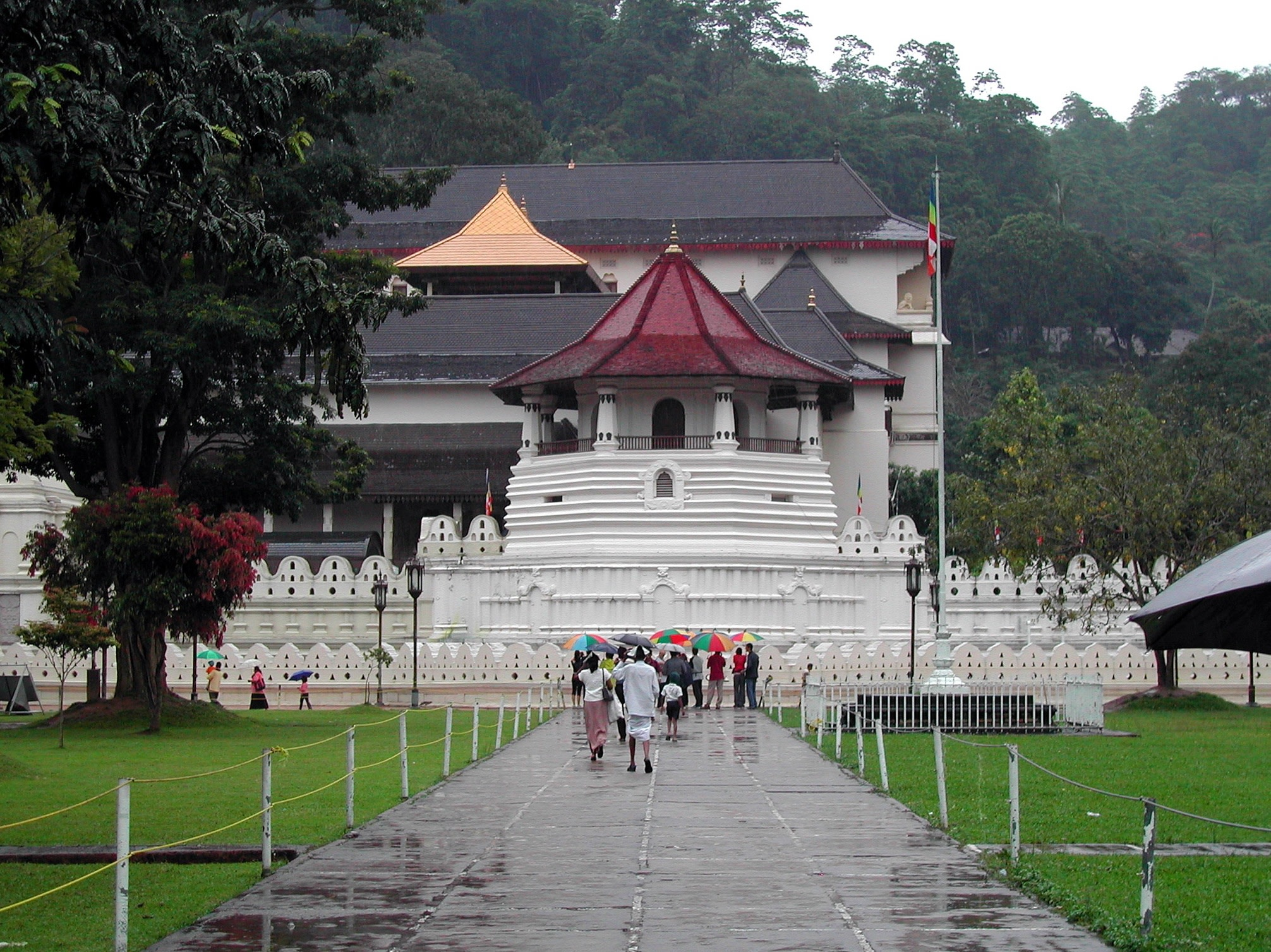 Discover the Temple of the Tooth Relic