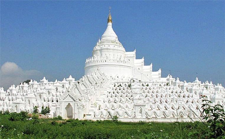 Marvel at the Hsin Bye Mae Pagoda