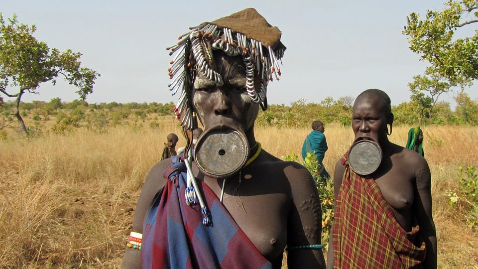 Mursi tribal women