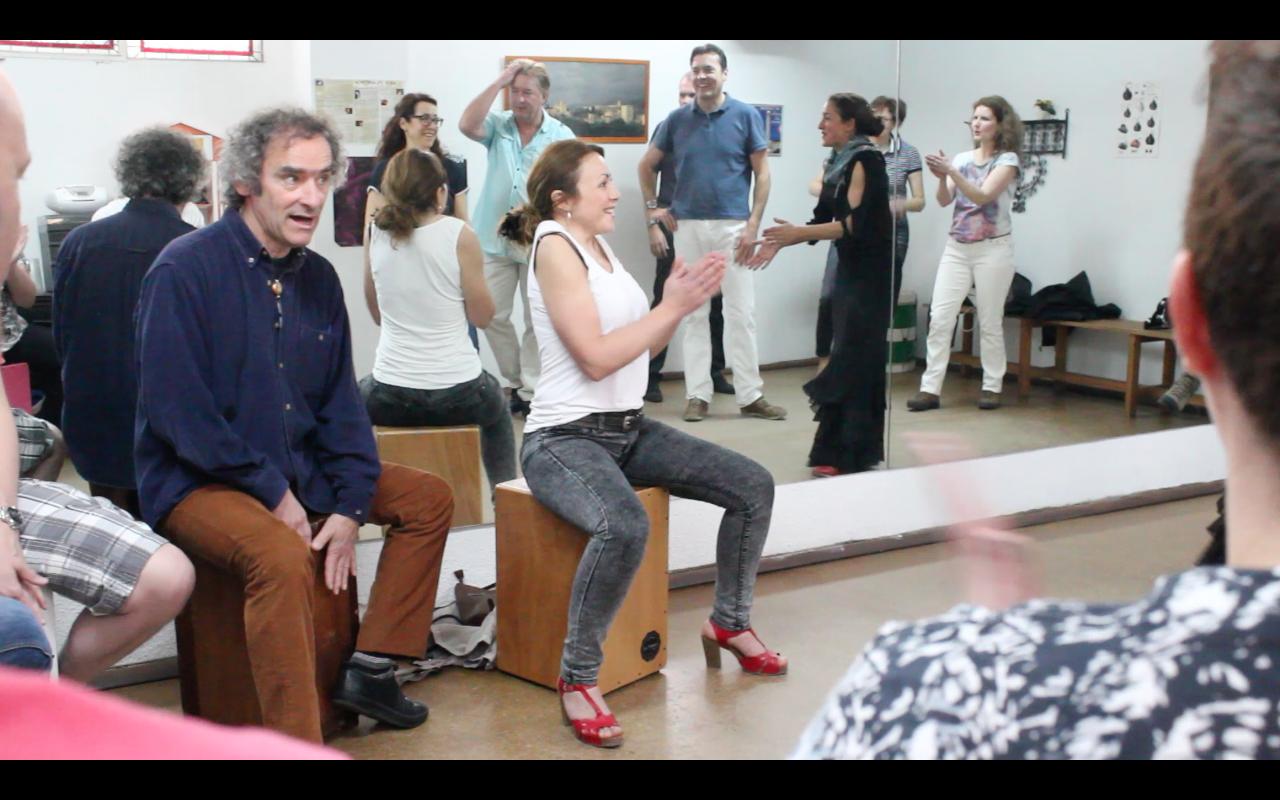 1-Hour long drum box workshop in Triana, Seville