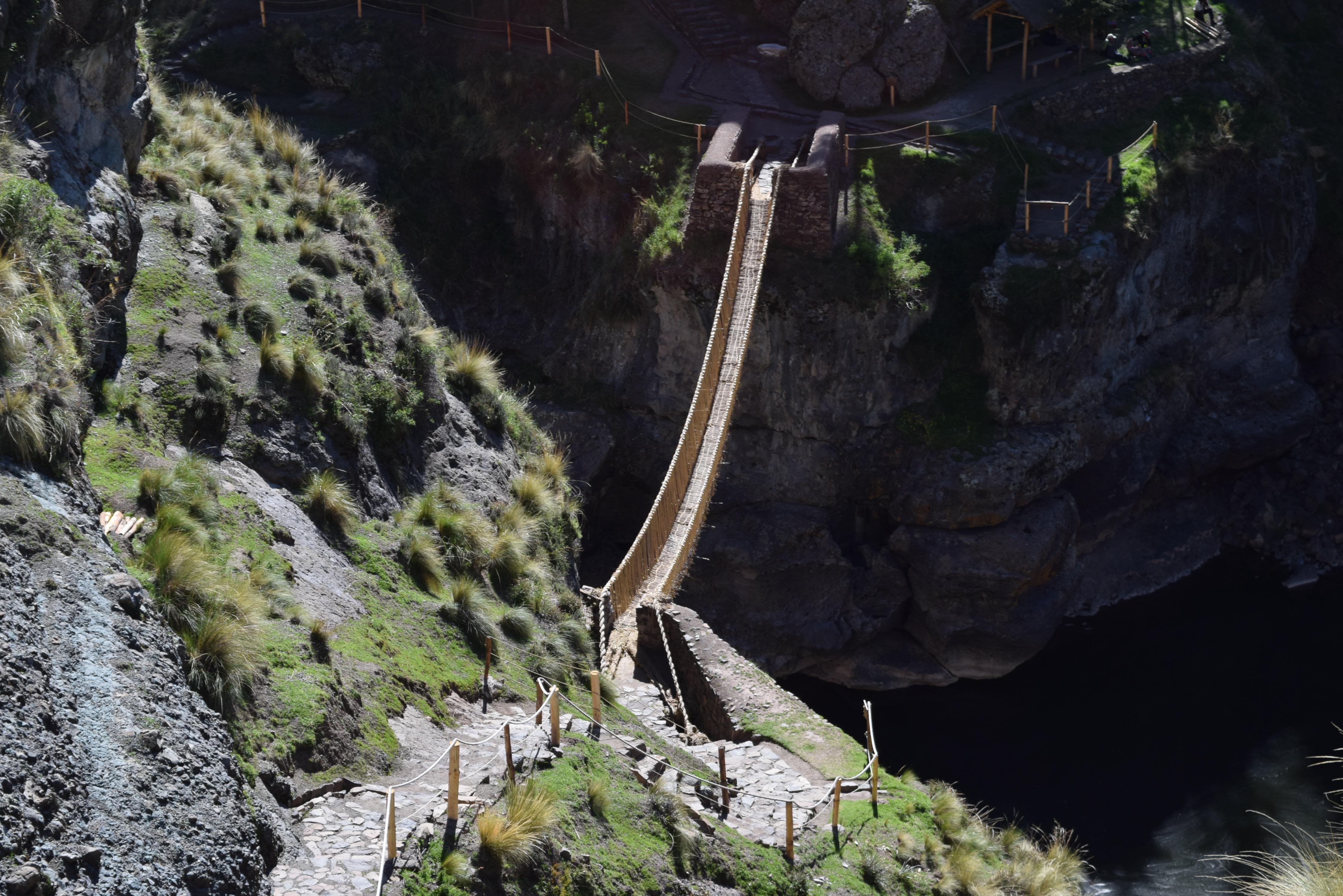 Explore the Bridge of Inca and its surroundings in Peru