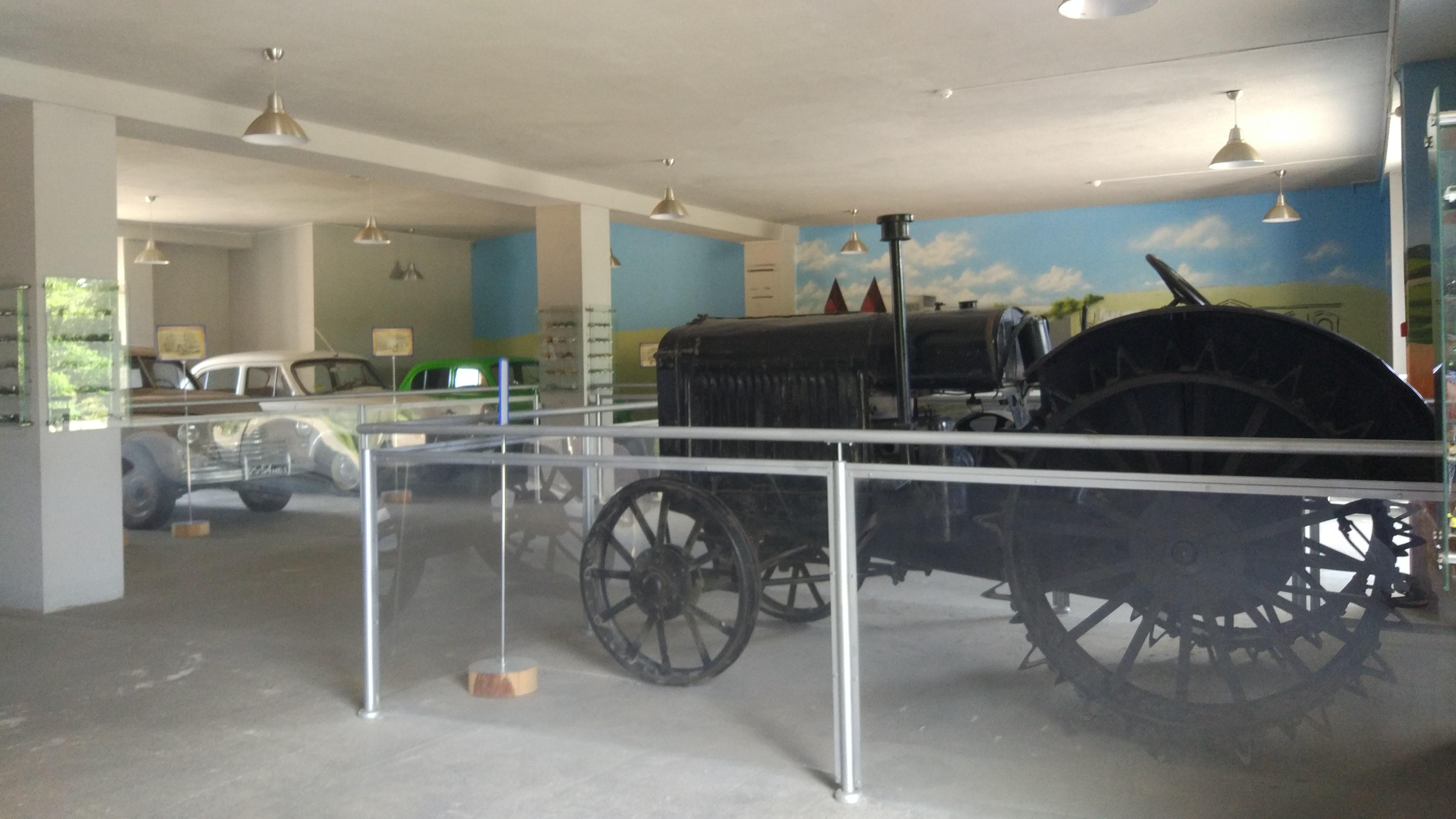 See Antique Cars at Dudutki Museum