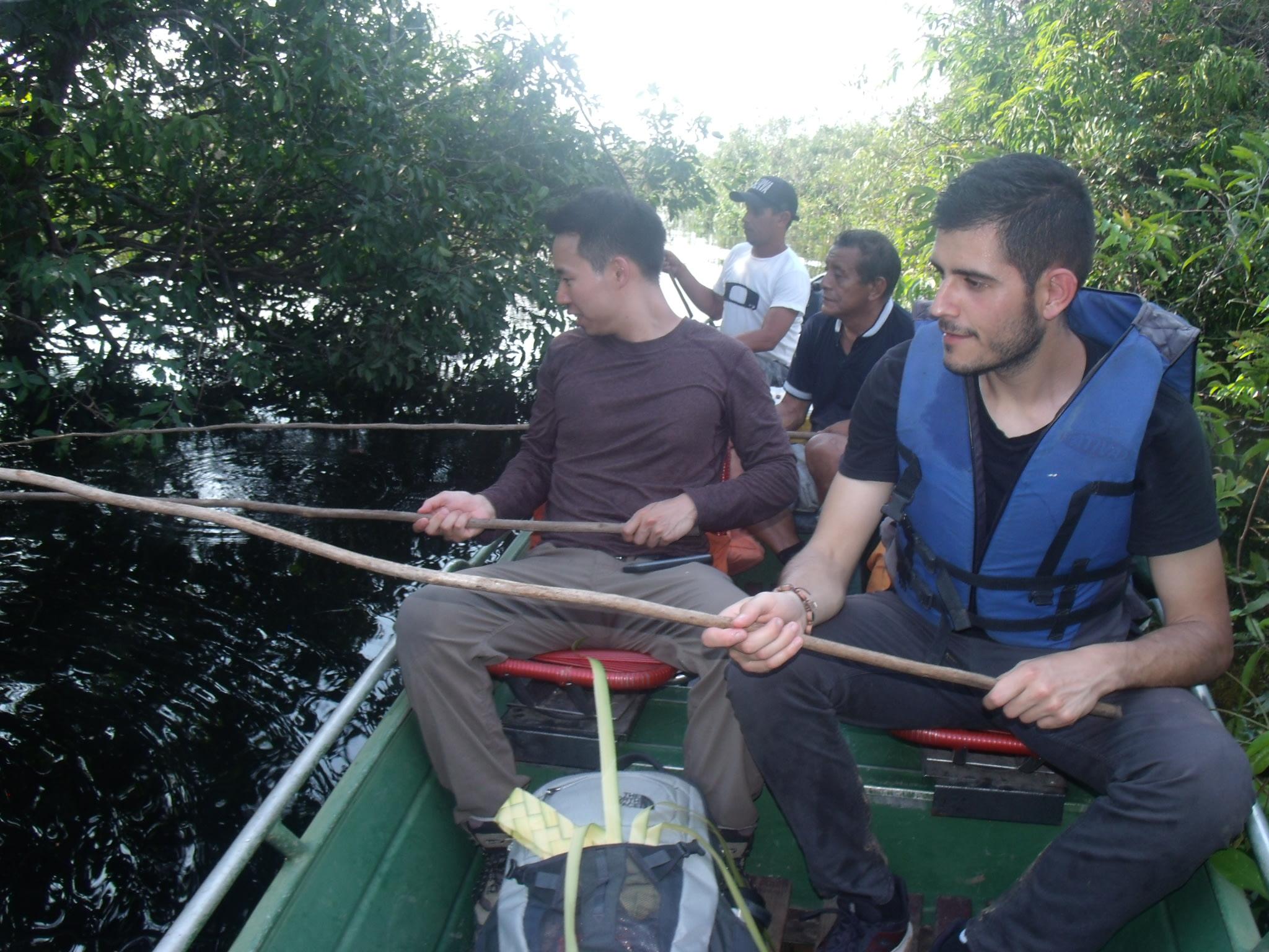 Piranah Fishing the traditional way!