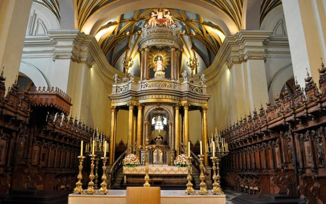 Cathedral's Alter, Lima