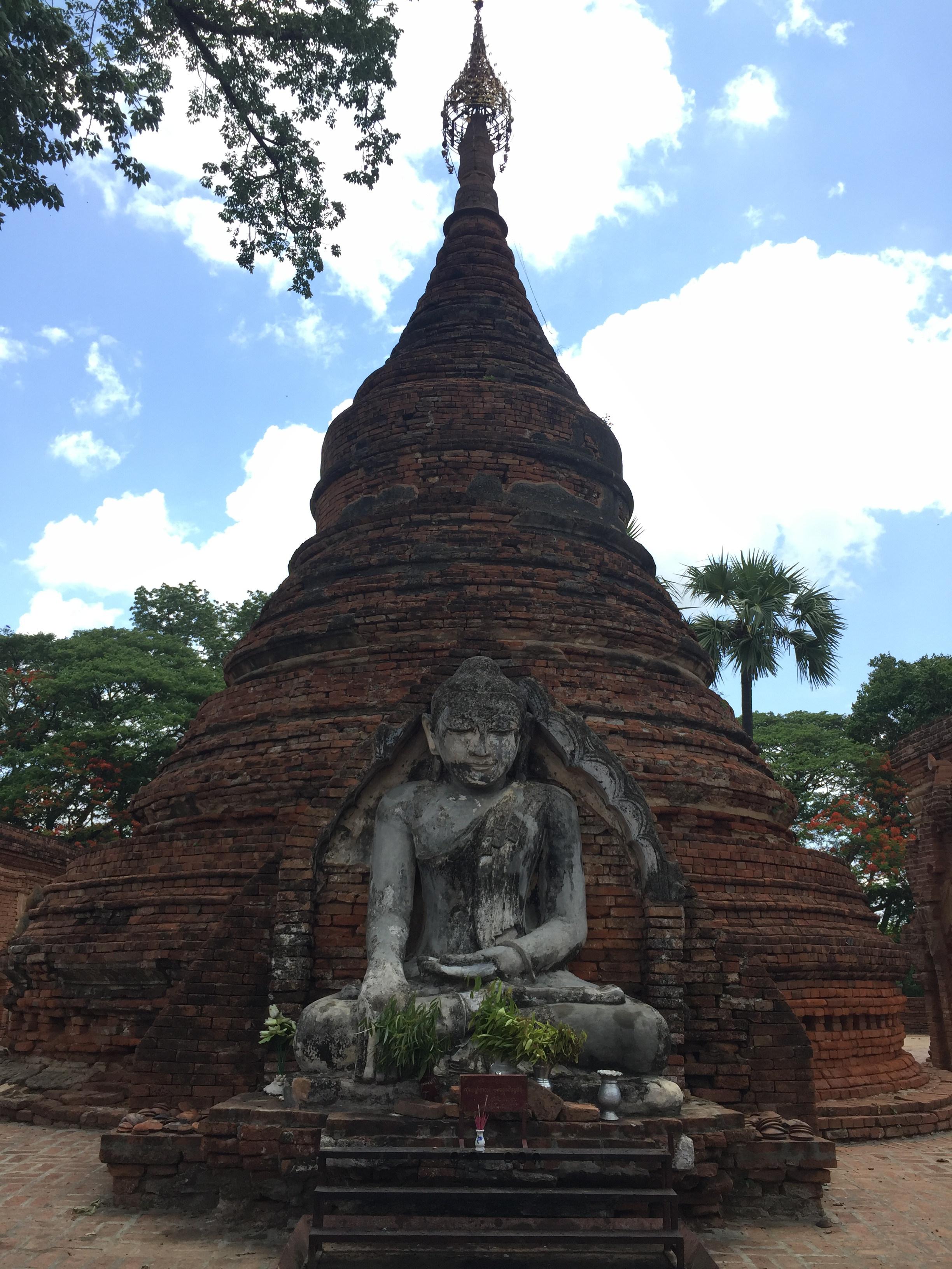 Alamy Daw Gyan pagoda complex, Ava (Inwa), Myanmar