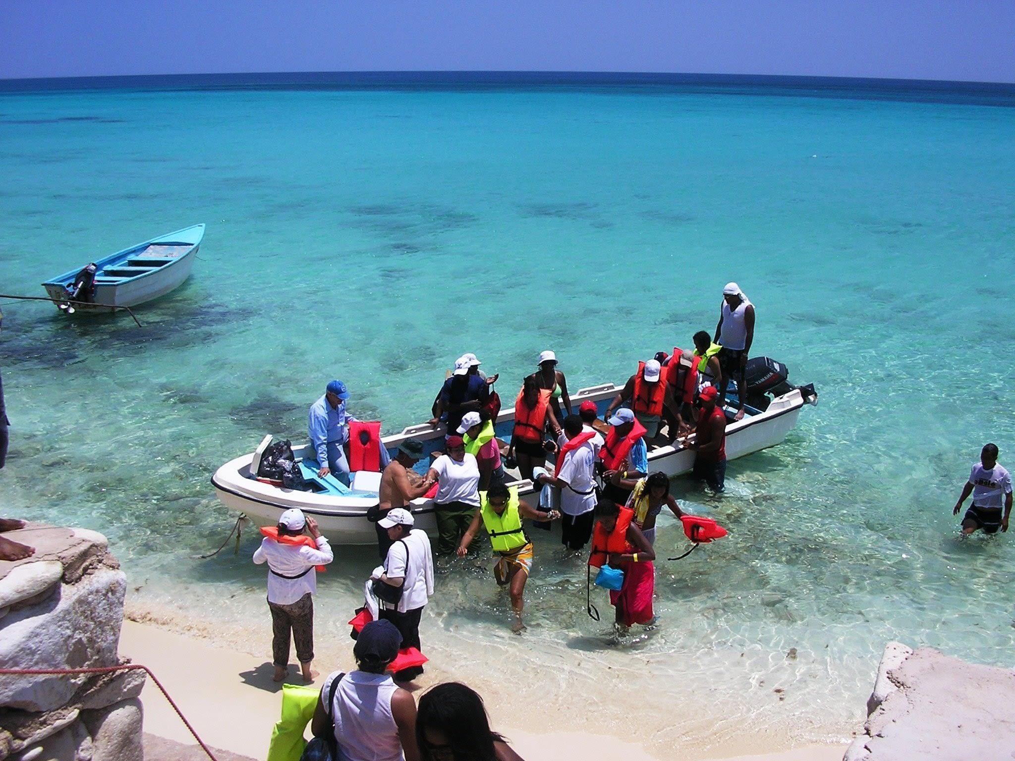 Boat ride to the Saona island
