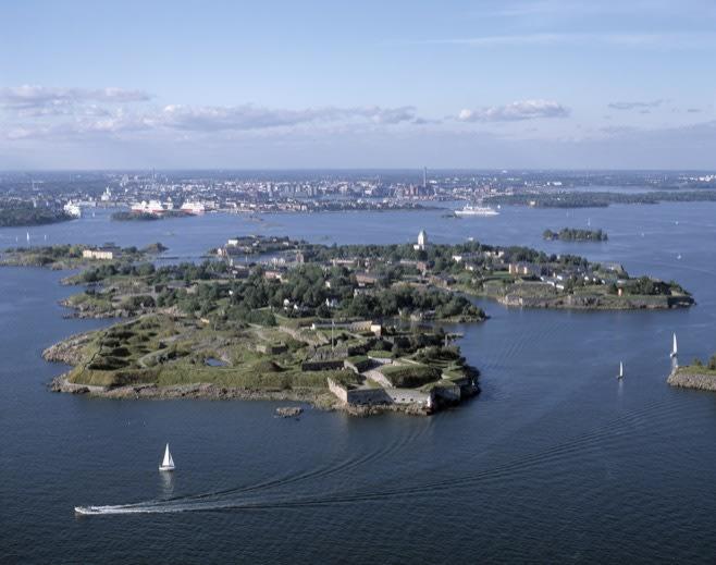 Explore Suomenlinna Fortress