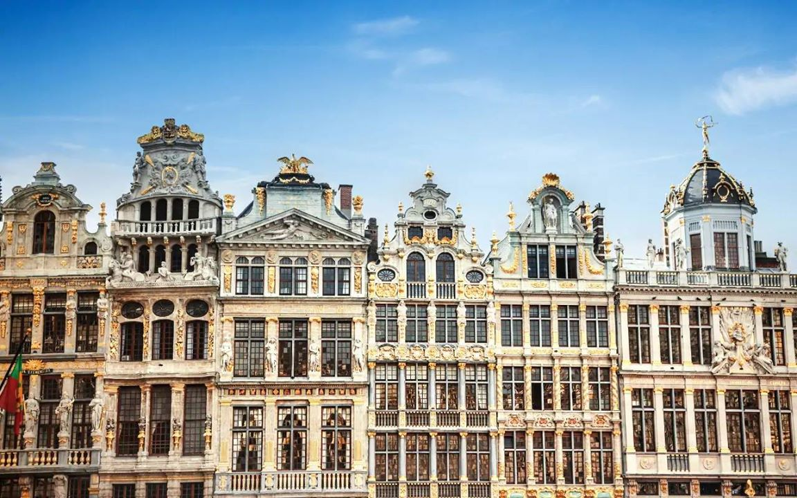 Look at the beautiful architecture of Brussels