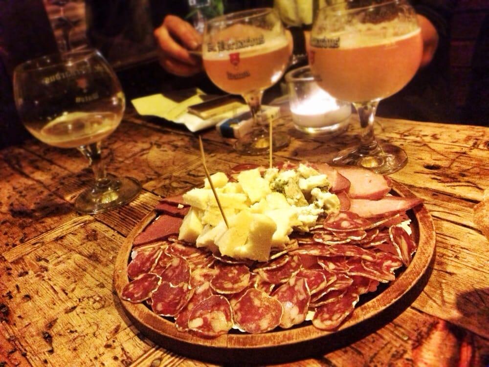 Food & Beer Tour in Belgium's Capital, Brussels