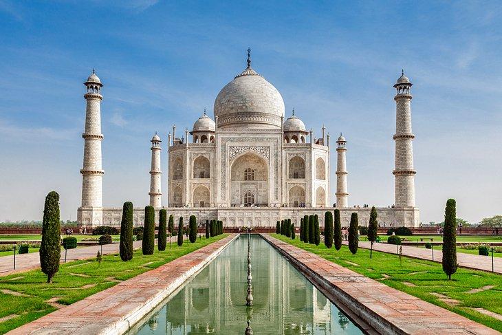 Admire the Taj Mahal, Agra