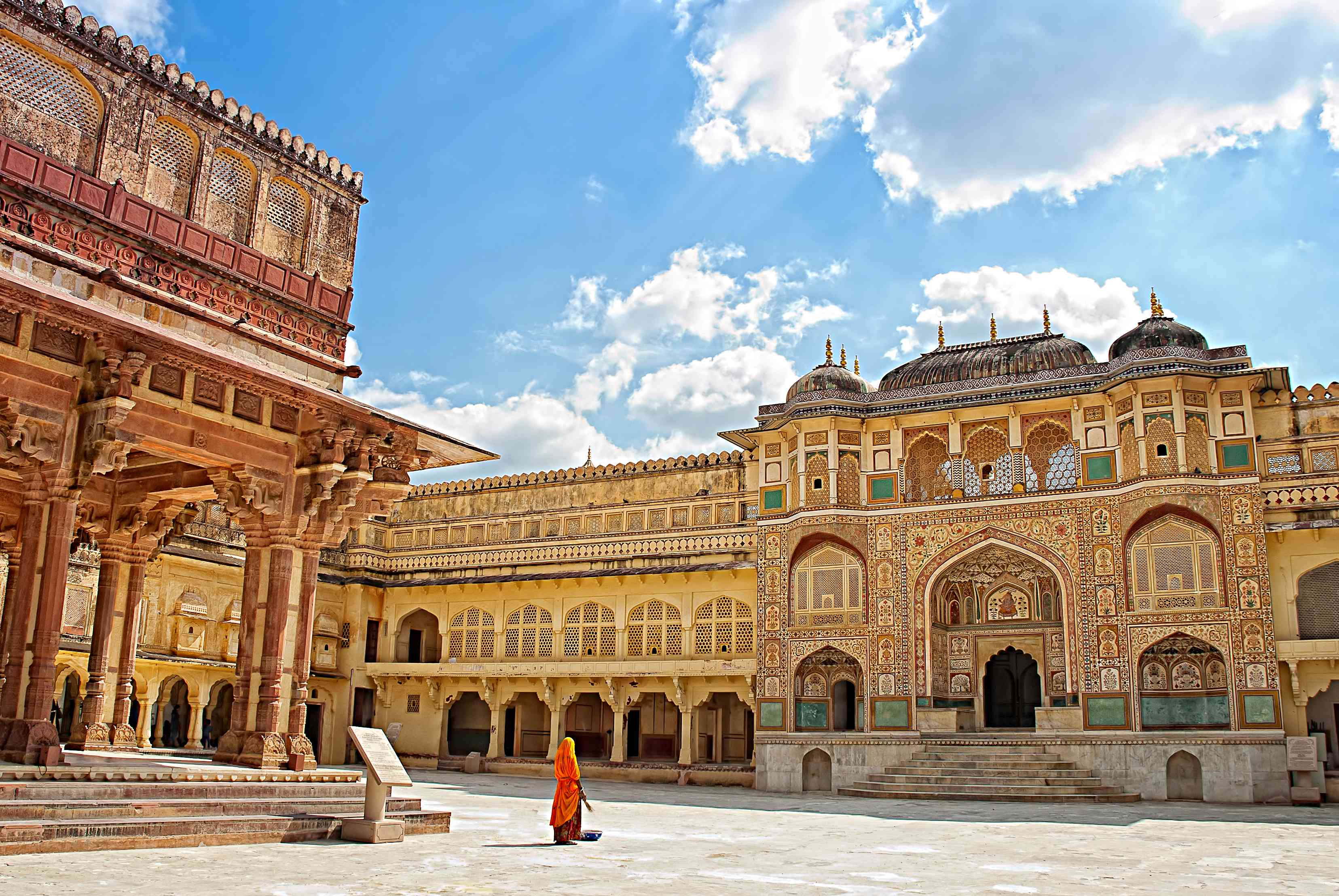 Marvel at the beautiful Amber fort