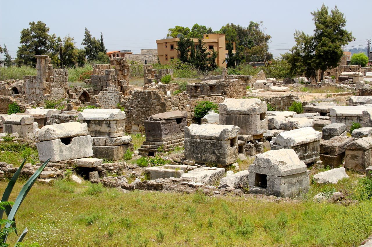 Visit the necropolis of Tyre