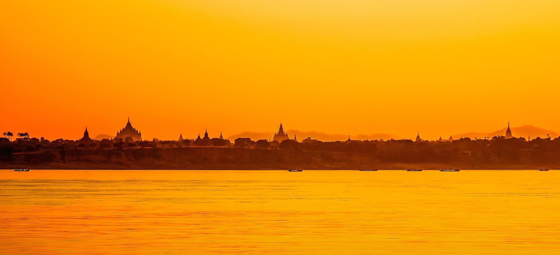 Shwezigone Pagoda Sunset View