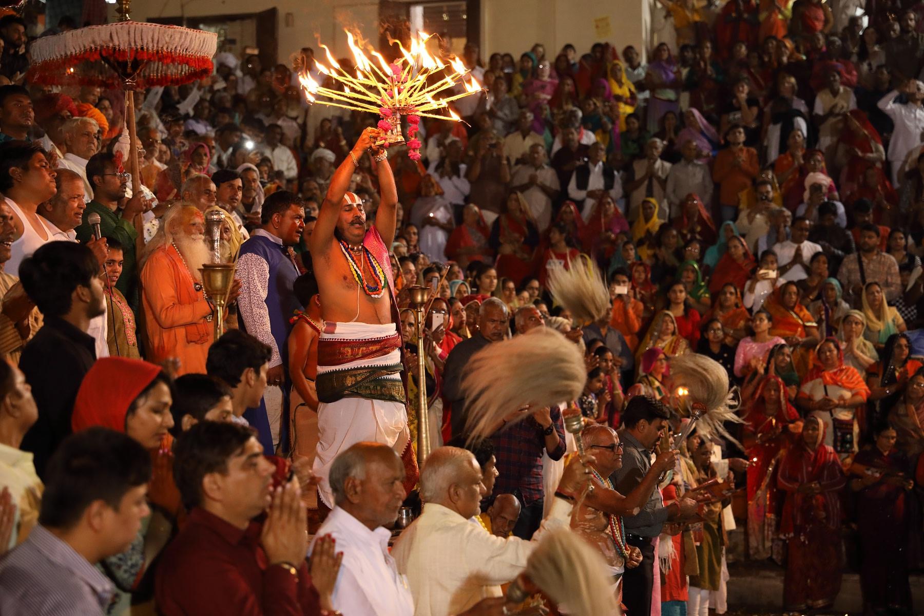 Evening time pray at Pushkar Ghat