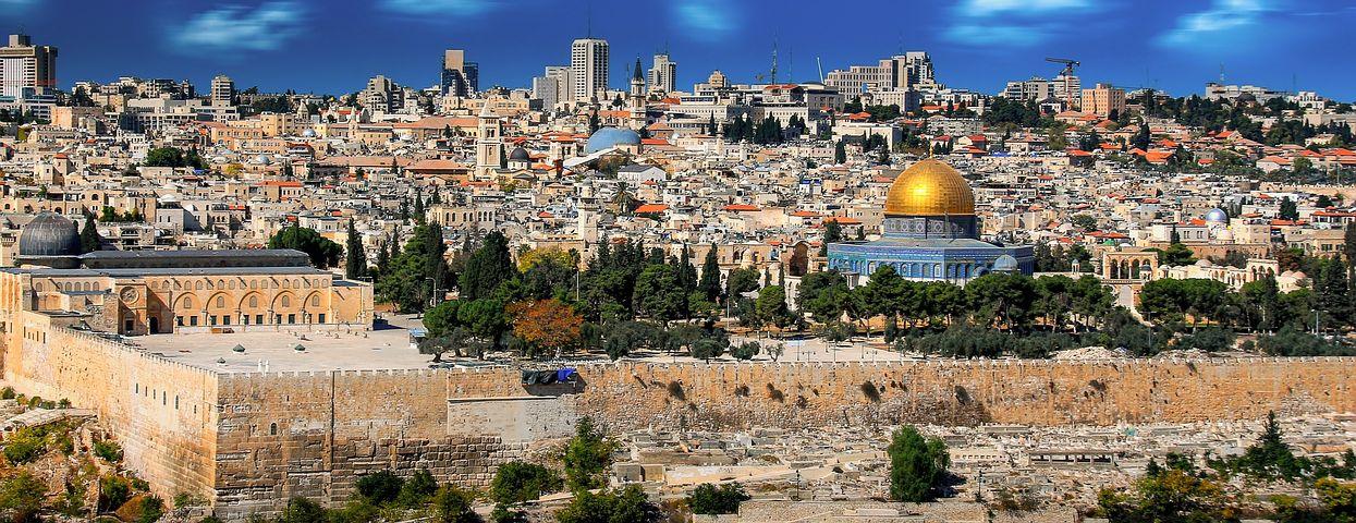 Tour the Breathtaking Holy City of Jerusalem