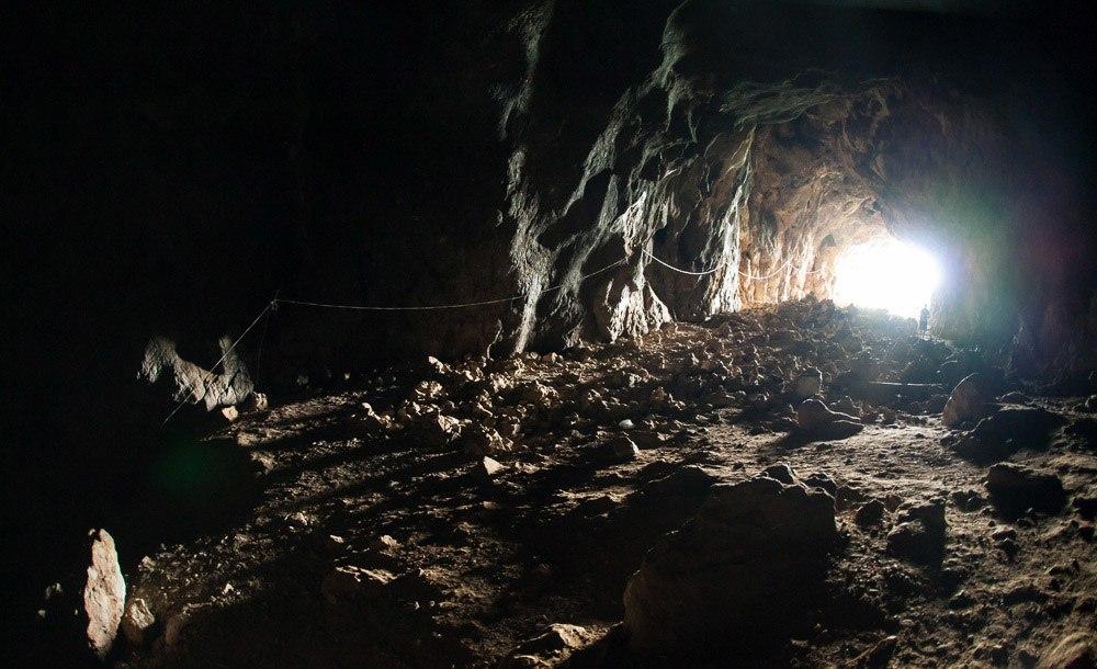 Tham Piu Cave