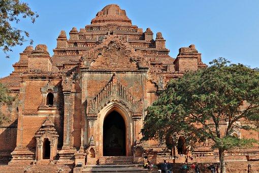 The Dhammayangyi Temple