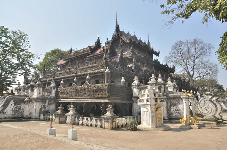 Explore the Famous Shwenandaw Monastery