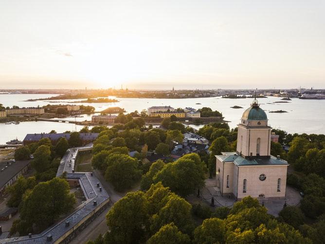 Enjoy sightseeing in Helsinki