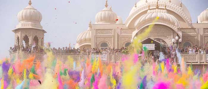 Celebrate the colourful Holi Festival in Jaipur, India