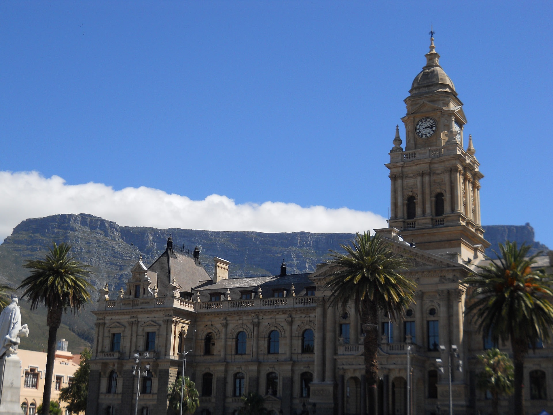 Start your food tour from Town Hall in Cape Town