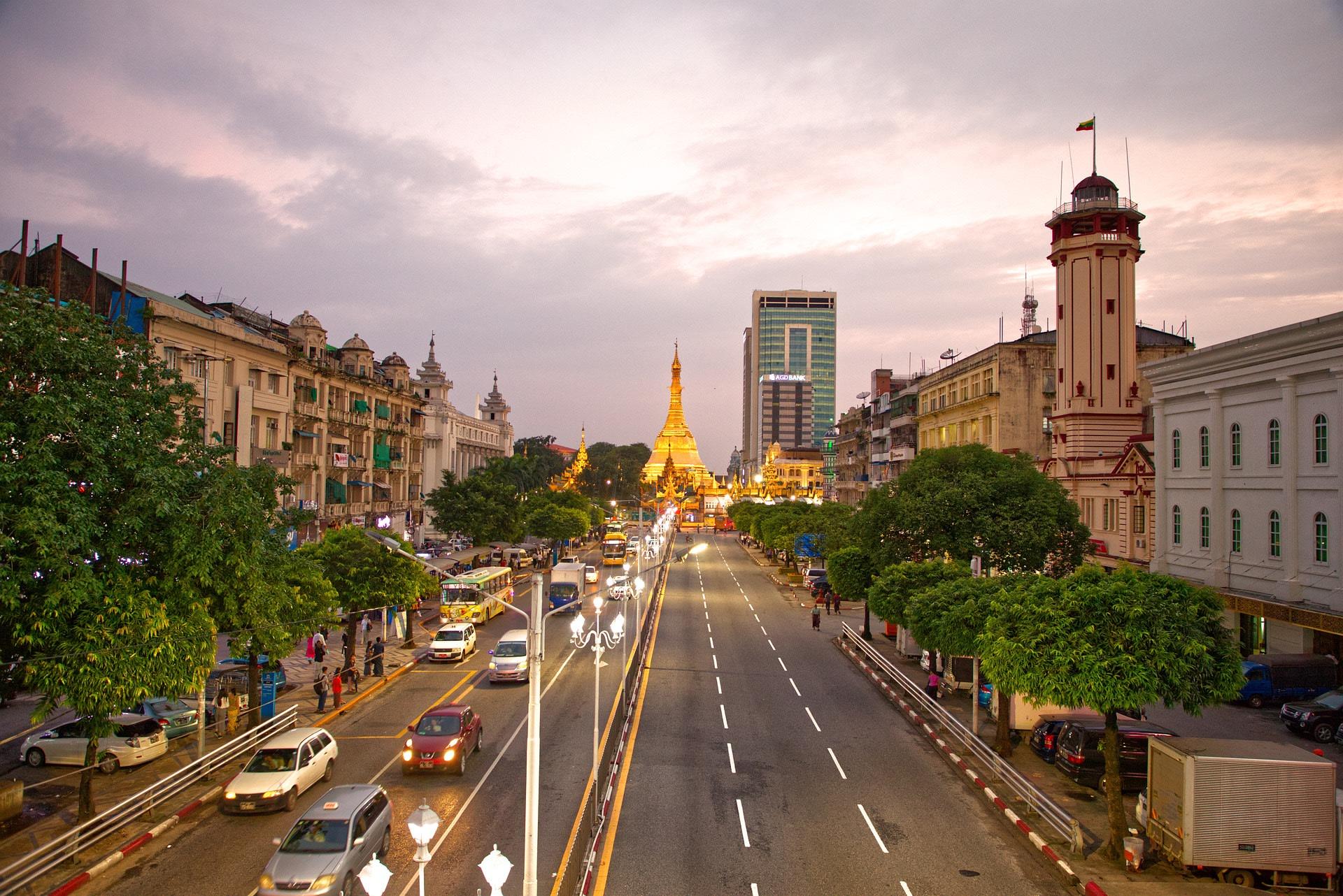 Gem & Jewelry Tour in Yangon, Myanmar