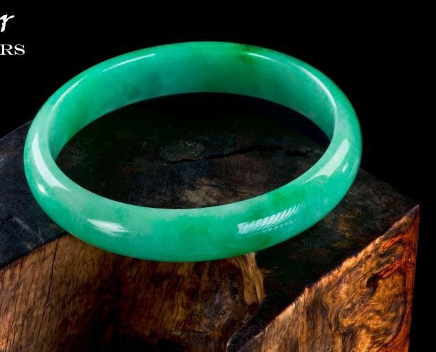 Get to see Imperial Jade Bracelet in Yangon