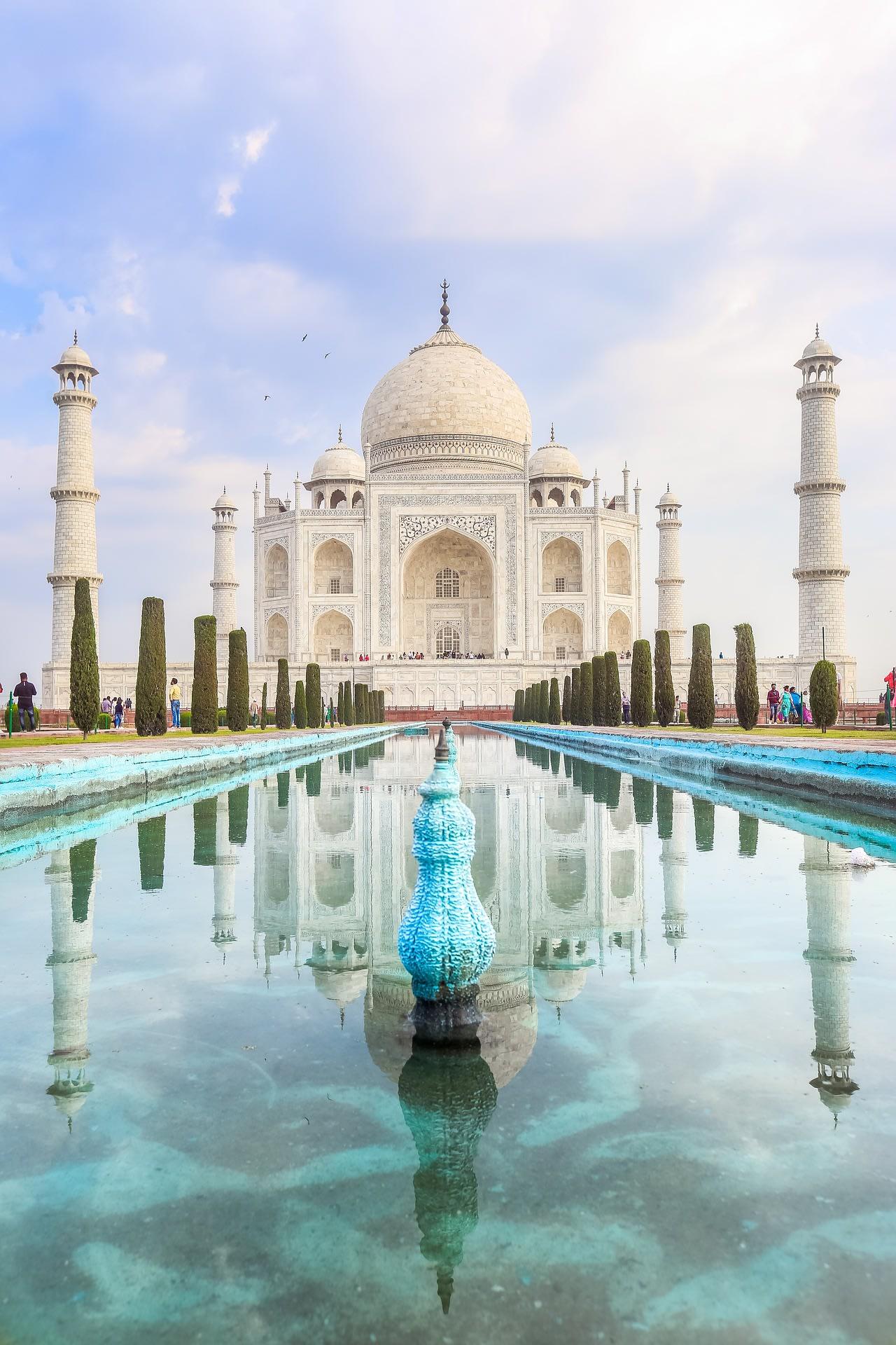 Explore Taj Mahal, Agra