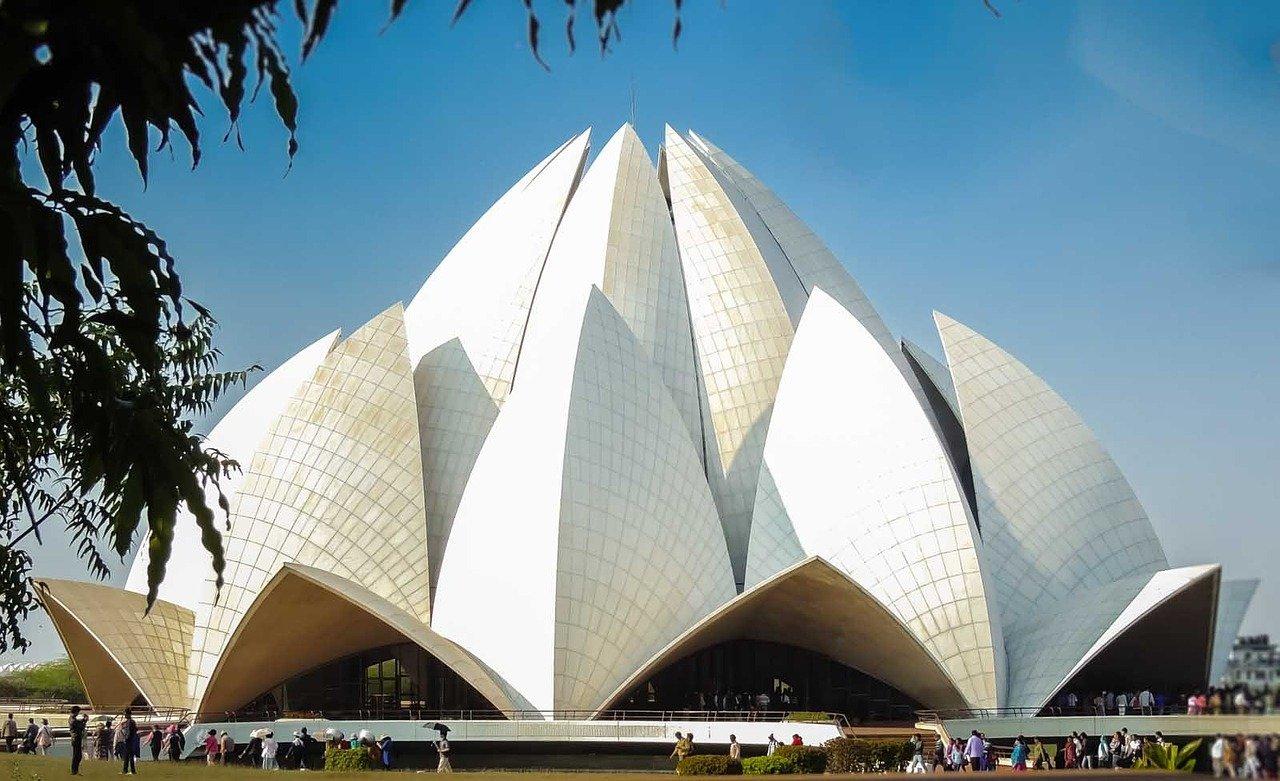 Admire the Lotus Temple of Delhi